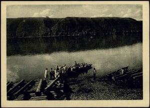 Переправа экскурсантов через реку Енисей