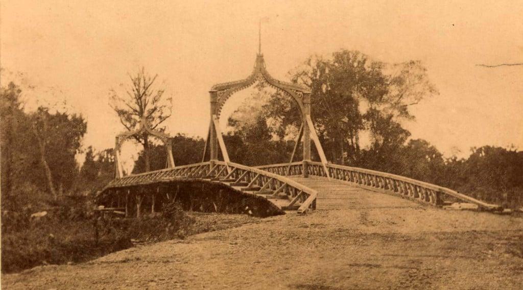 Мост через реку Тыми при поселении Рыковском